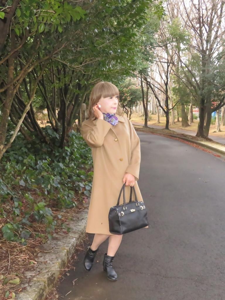 茶色のカシミアコート公園(4)