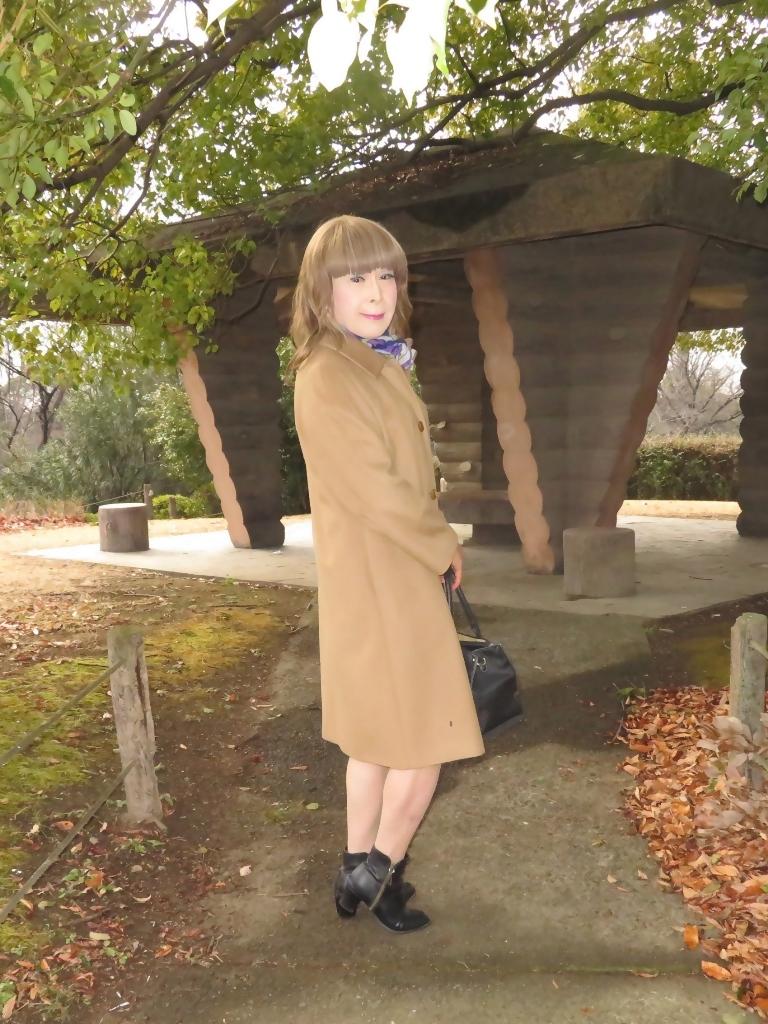 茶色のカシミアコート公園(7)