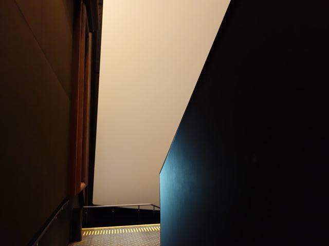シアター12 入り口3