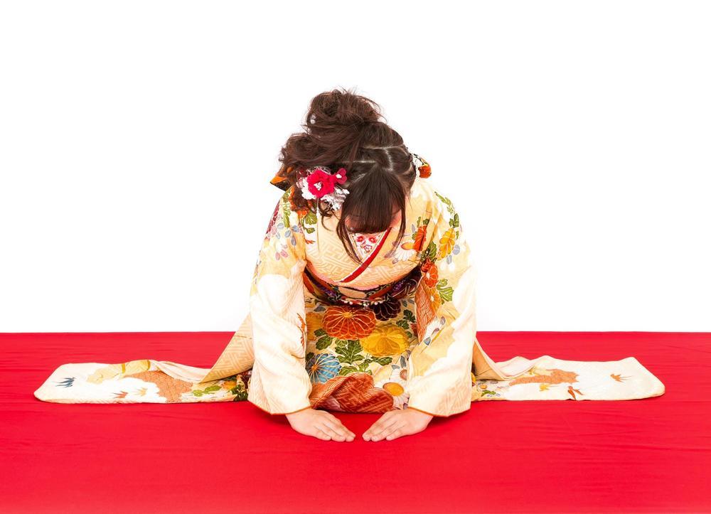晴れ着の女性 徳島 徳島文理大学 学生マンション 石部宅建 学生物件