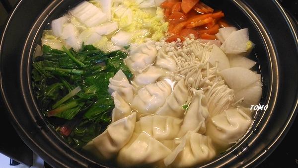 野菜の水餃子鍋