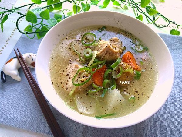 鶏むね肉のサムゲタン風スープ