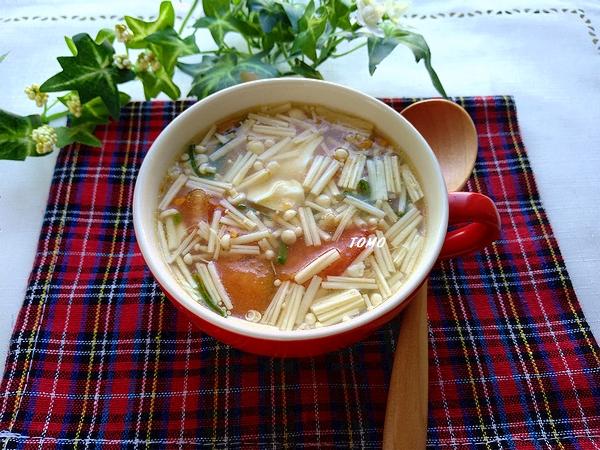 トマトと崩し豆腐の中華スープ