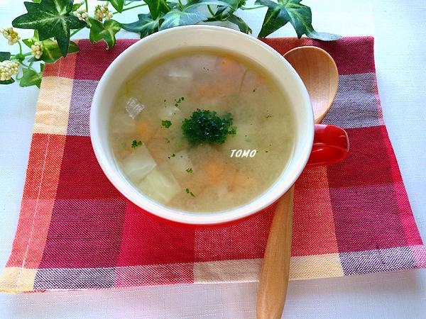 大豆とオートミールのスープ