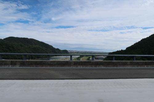 新東名 川