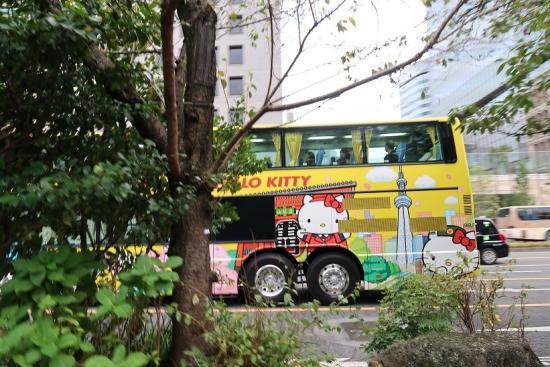 キティちゃんのバス