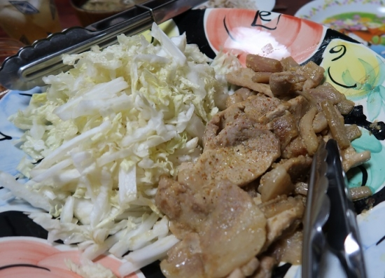 生ずいきと豚肉の西京漬け焼き、白菜千切り