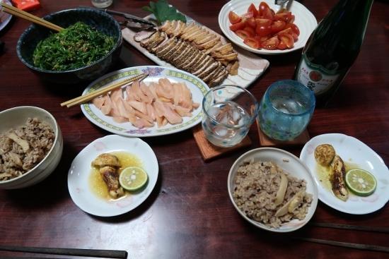 マツタケ御飯とマツタケホイル焼きと岩下の新生姜と合鴨燻製