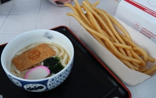 名古屋アンパンマンこどもミュージアム&パーク うどんちゃんのうどんと長いポテト