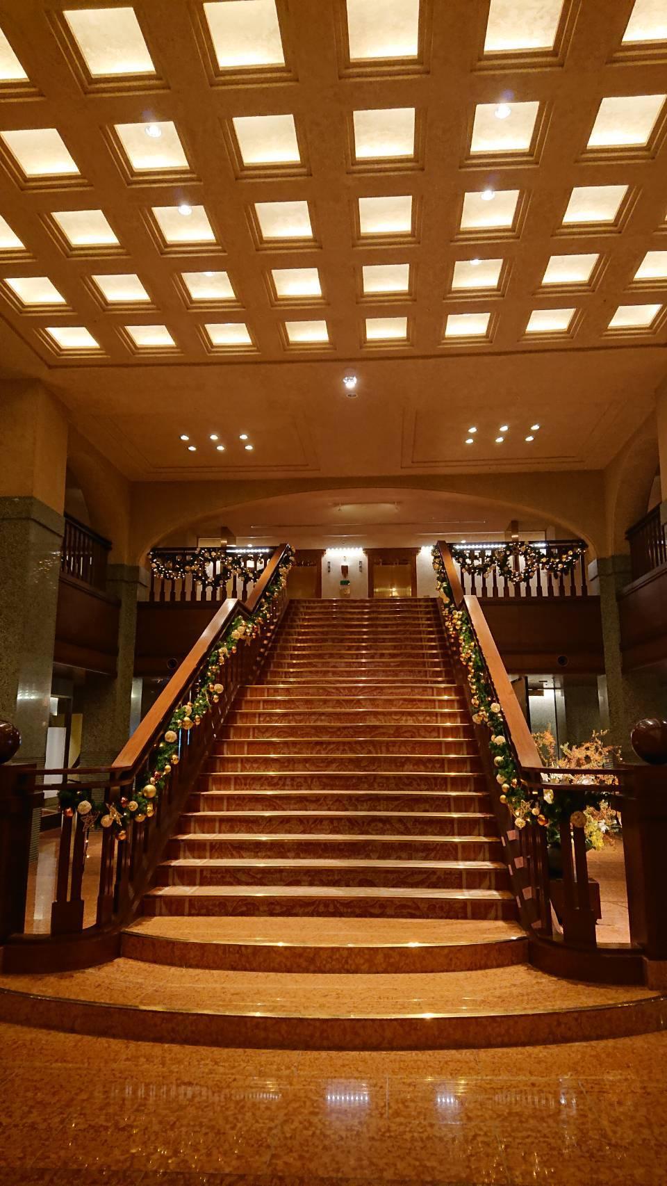ホテルオークラ階段