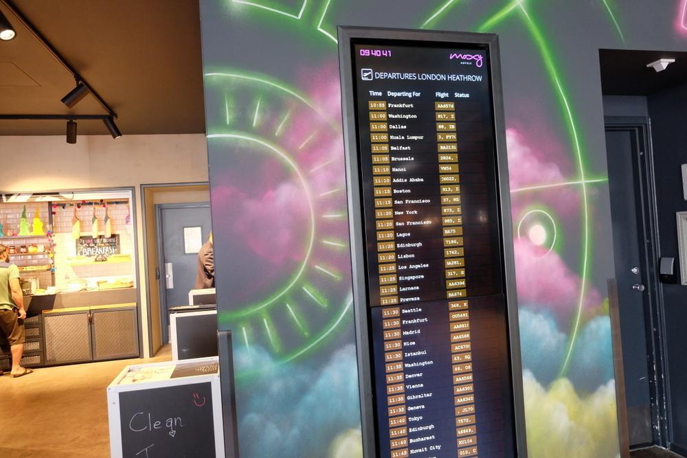 2019-08-04 MOXY London Heathrow Airport 03 フライト情報
