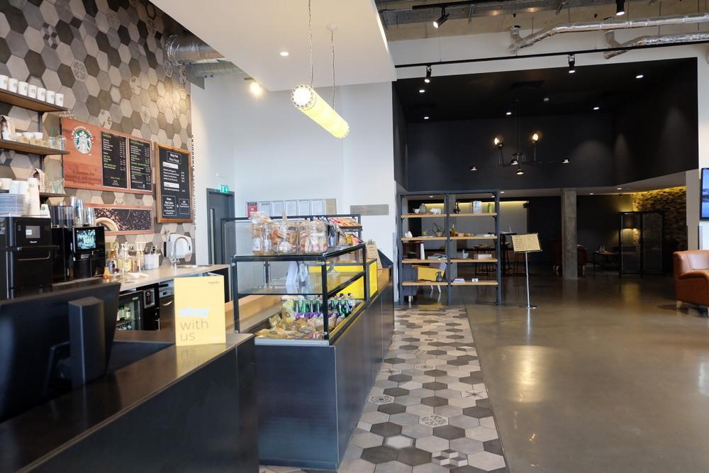 2019-08-10 StayCity Hotel 03 フロントフロアのカフェ