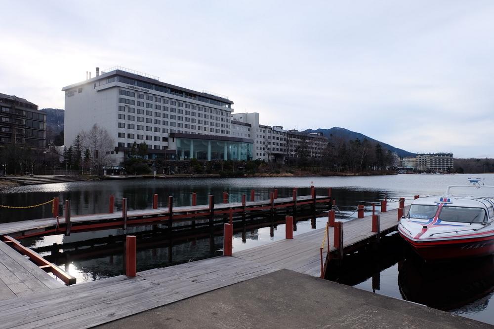 2019-11-24 北海道 10 阿寒湖側から見るホテル