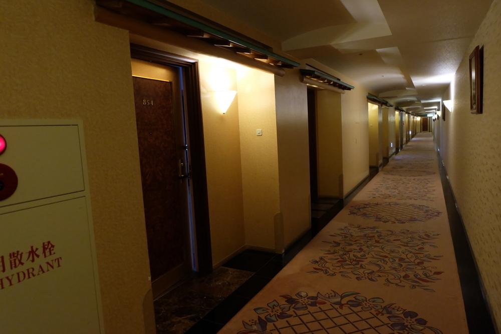 2019-11-24 北海道 13 ホテルフロア廊下
