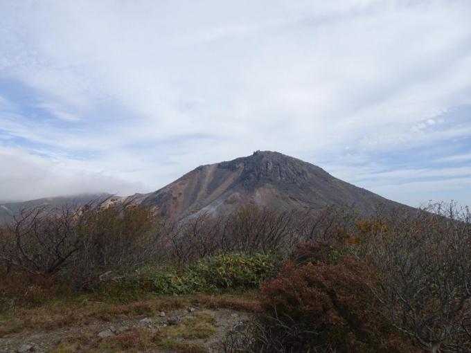 茶臼岳を正面に