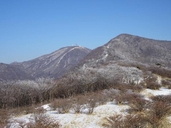 荒山と地蔵岳