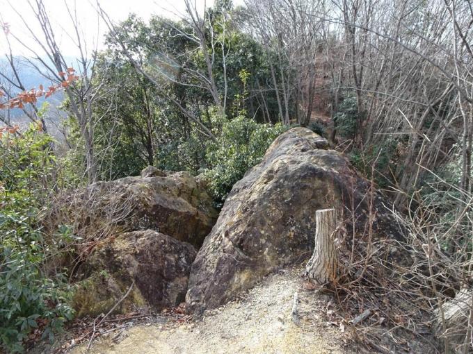 露岩もある