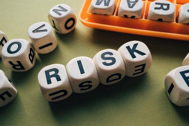 risk-1945683_1280.jpg