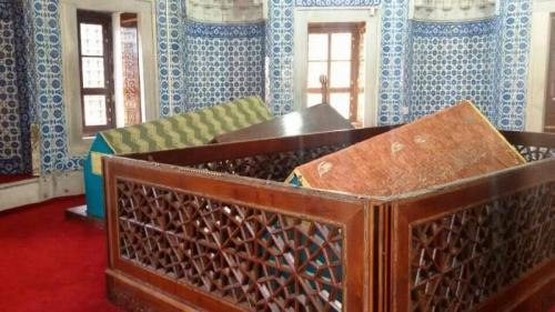 Hurrem-Sultan-Turbesi-Resimleri-06_convert_20191013134341.jpg