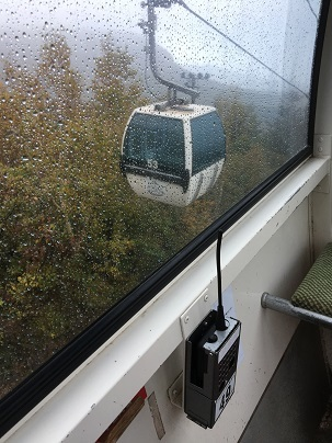 雨のロープウェイ