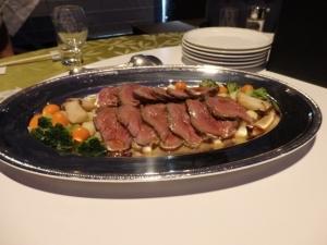 牛フィレ肉のロースト・山葵ソース