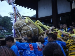 自治会の神輿3
