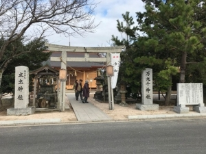 立虫神社と万千十神社