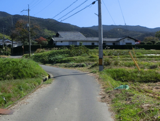 16山里の道