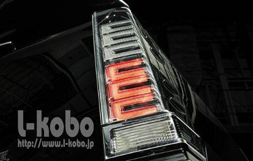 80VOXYテールランプ