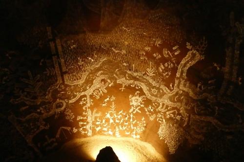 洞窟の中5