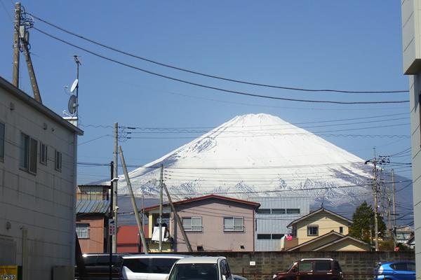 御殿場スナップ町から町から望む富士山