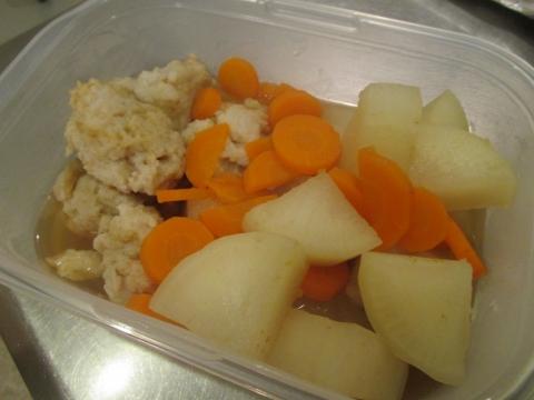 ヒメ団子と根菜の煮物保存容器1
