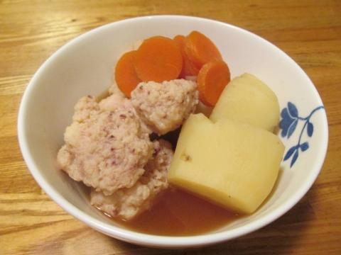 ヤリイカ団子とジャガイモの煮物3