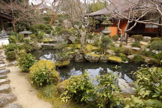 當麻寺中之坊庭園・池泉