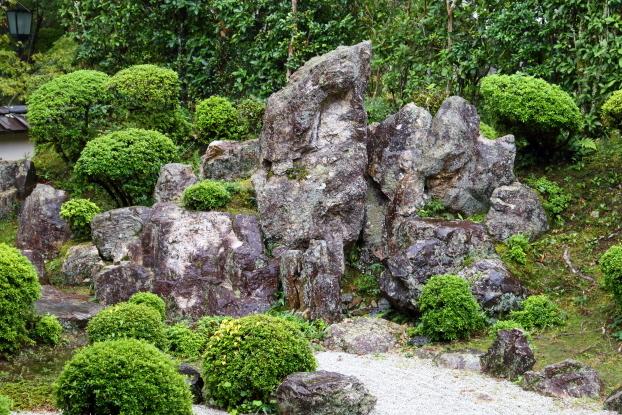 西教寺大本坊庭園・枯滝石組