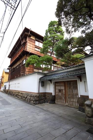 古町・鍋茶屋
