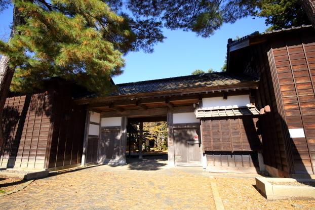 飯塚邸・門