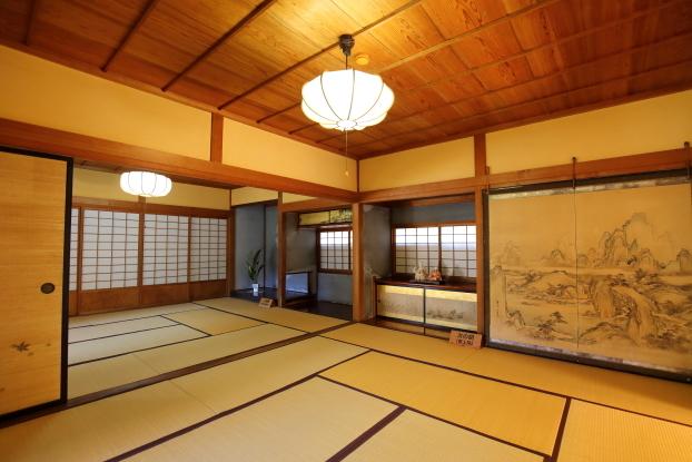 飯塚邸・新座敷棟一階