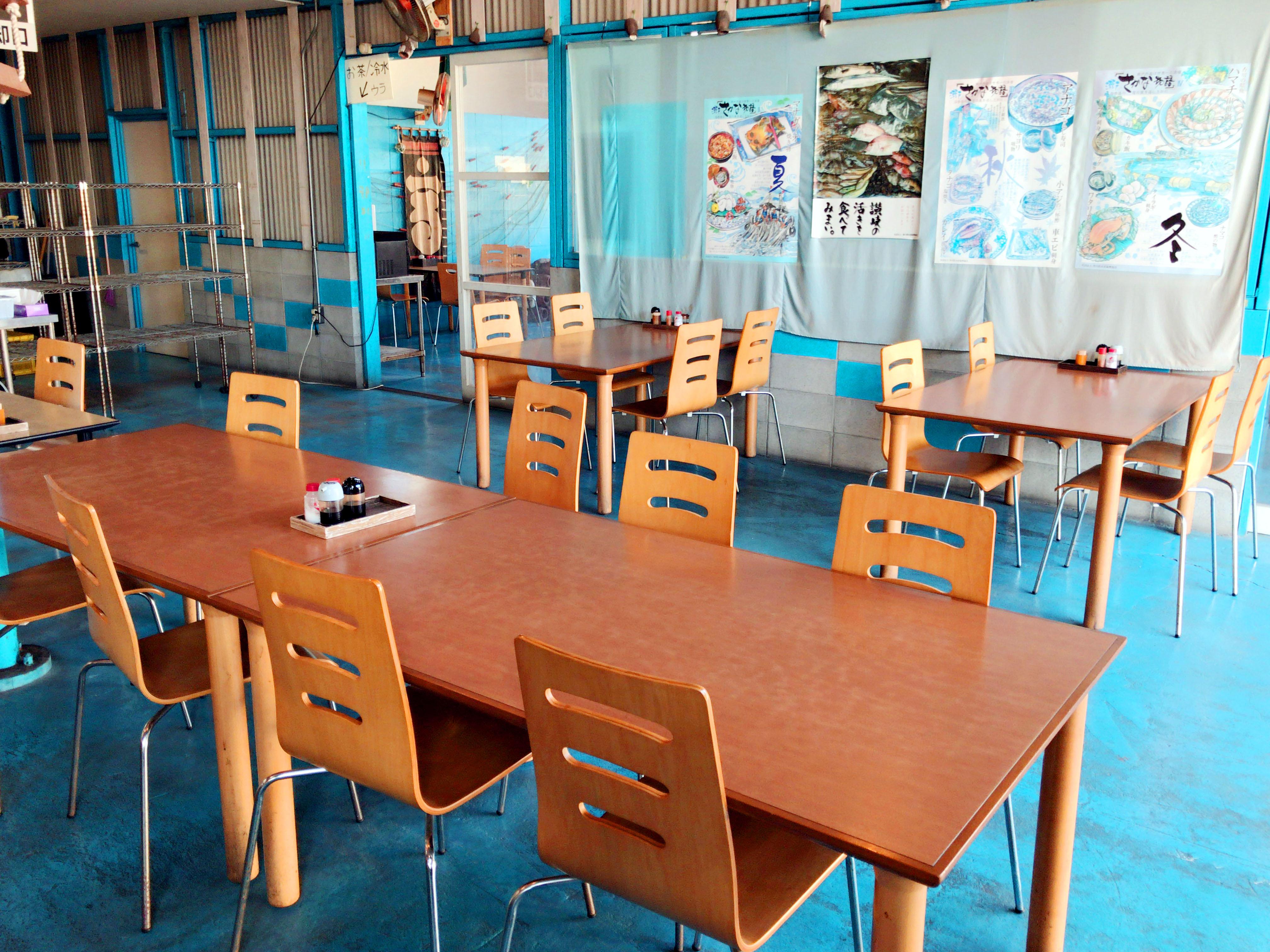 いただきさん海鮮食堂 テーブル