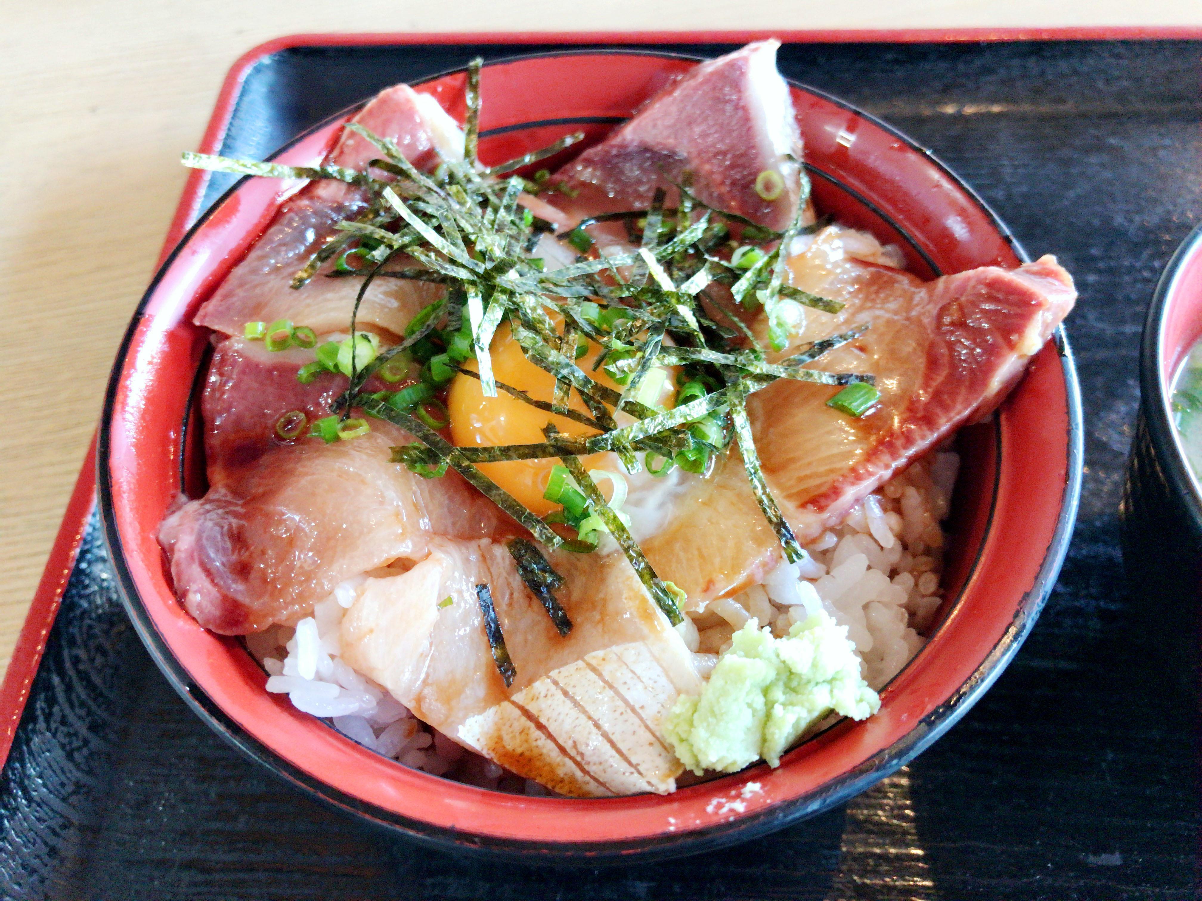 漁師丼 並 800円 アップ
