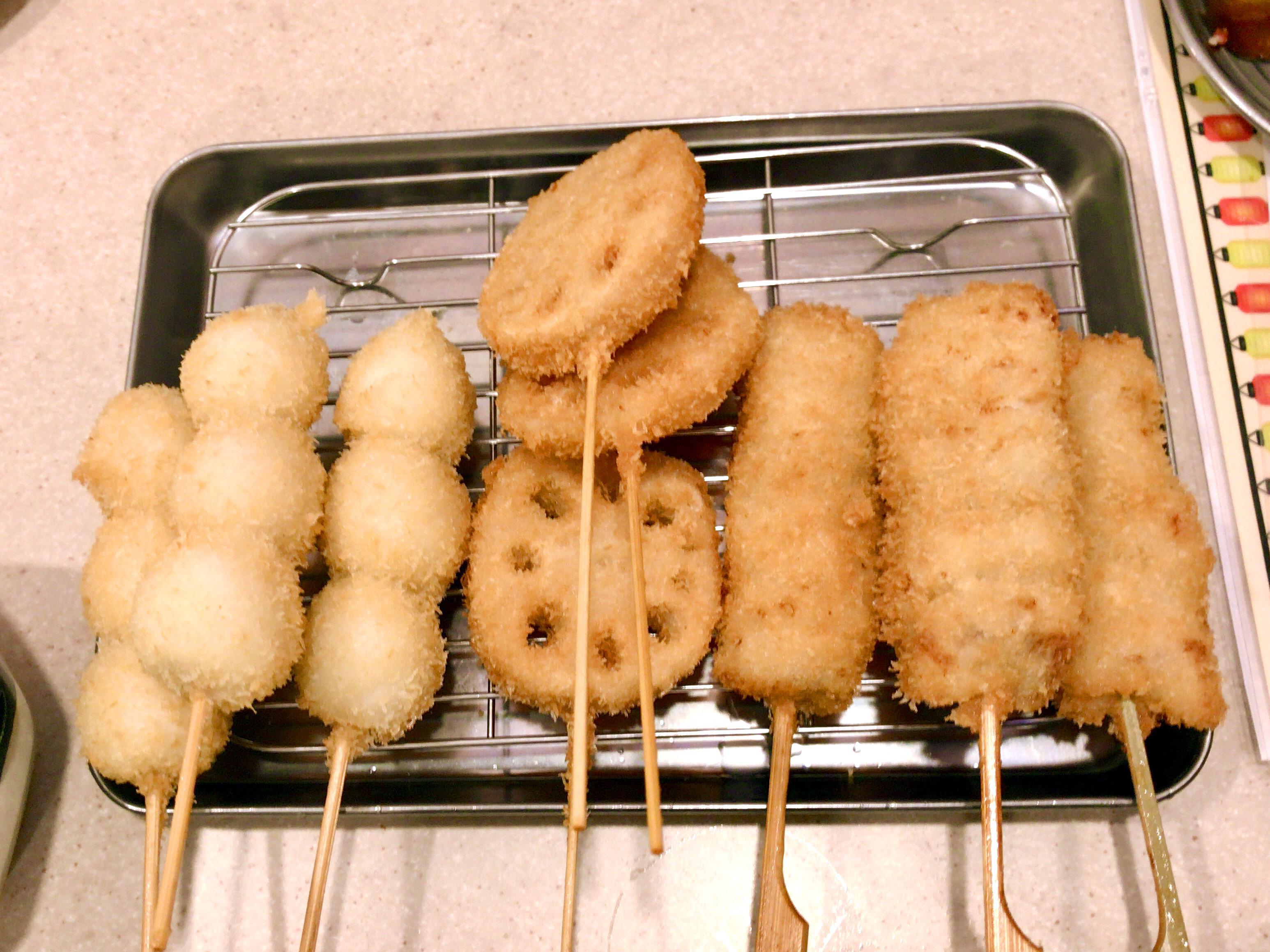 串カツ(うずら、レンコン、串カツ豚)