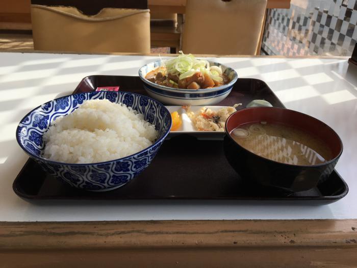 もつ煮定食みそ味(もつ煮ショップ)2