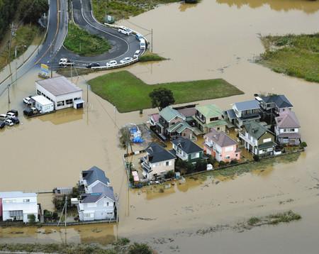 千葉豪雨で浸水「もう住めない」 茂原や佐倉「こんな冠水 初めて」