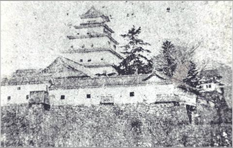 pic_kameyama-castle02_sp_convert_20200122214220.png
