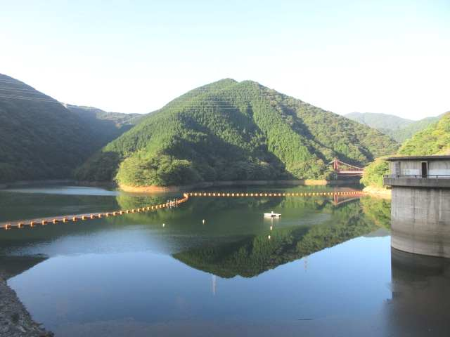 IMG0002JPG快晴の鱒淵ダム満水状態
