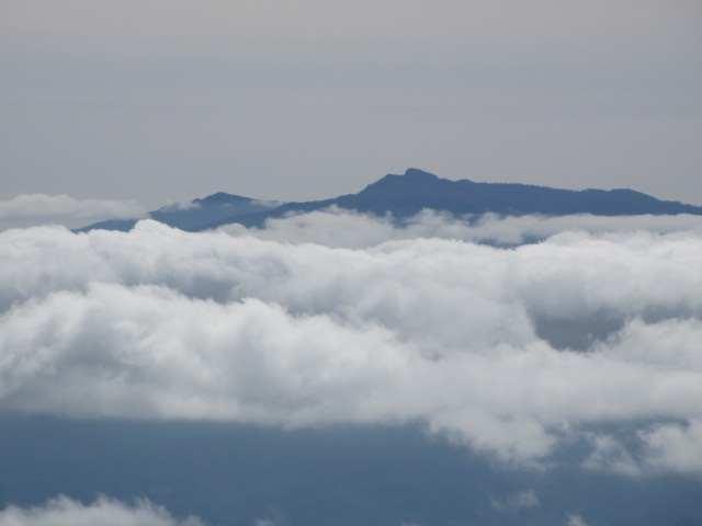 IMG0098JPG雲上の祖母山