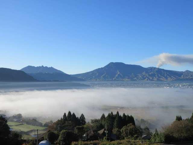 IMG0004JPG城山展望台から根子岳、阿蘇山