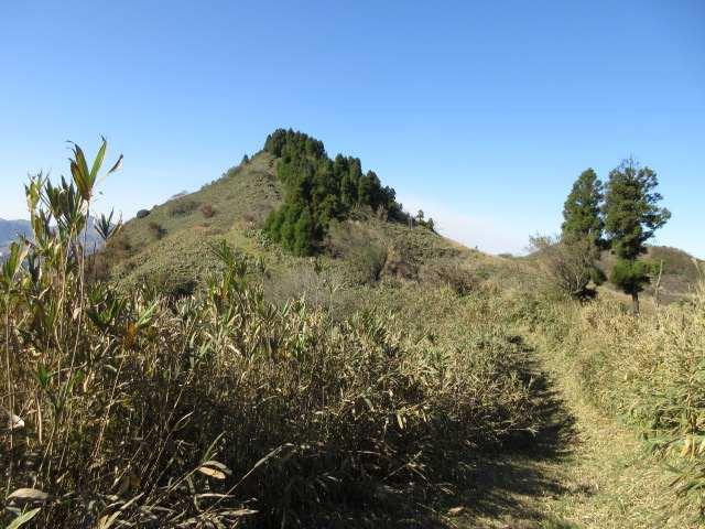 IMG0101JPG眼前の清栄山