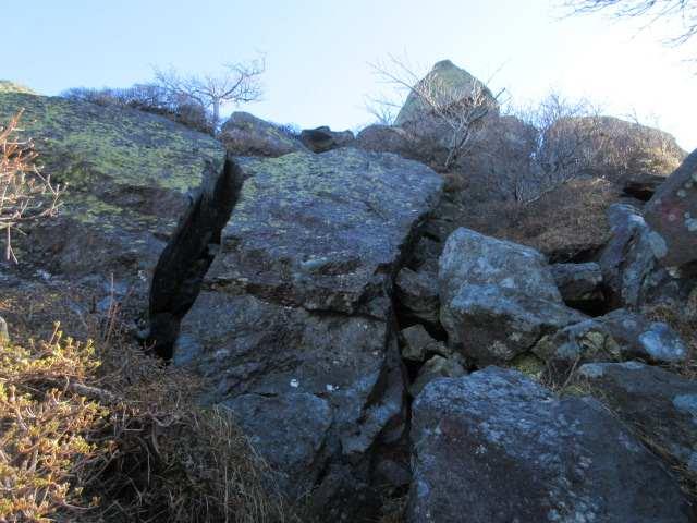 IMG0041JPG岩場を振り返る
