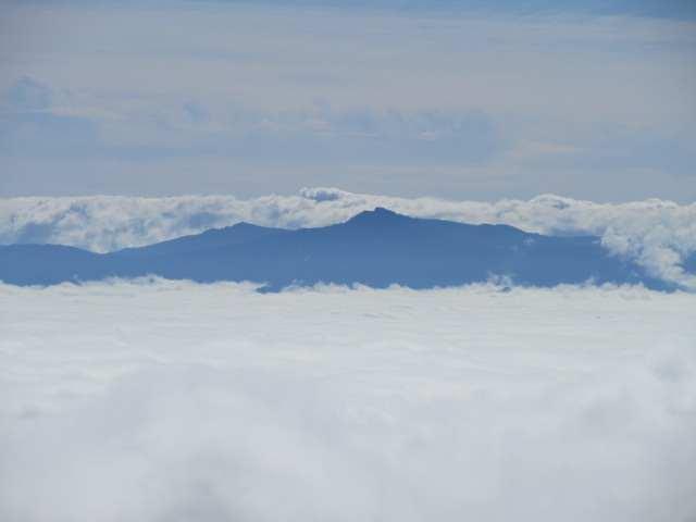 IMG0053JPG雲上の祖母山